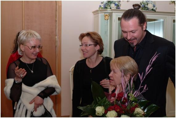 с выдающимся российским композитором А.Н. Пахмутовой и известным режиссером Грымовым Ю.В