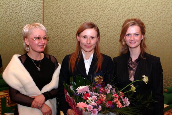 с 3х кратной олимпийской чемпионкой Ю.А. Чепаловой и 2х кратной олимпийской чемпионкой С.В. Хоркиной